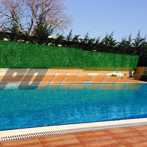 Havuz etrafının çimli çit ile kapatılması
