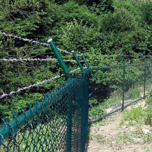 Boru direkli tel çit üzerine dikenli tel