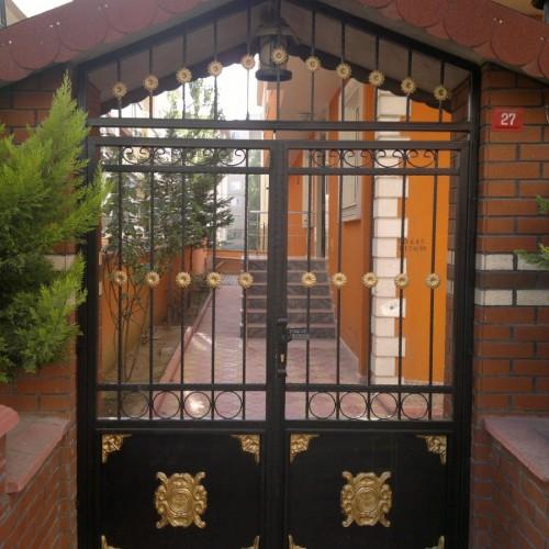 ferforje açılır bina kapısı