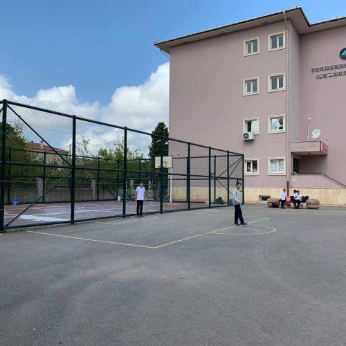 Alemdağ Ortaokulu Basketbol Sahası Tel Çit Uygulaması